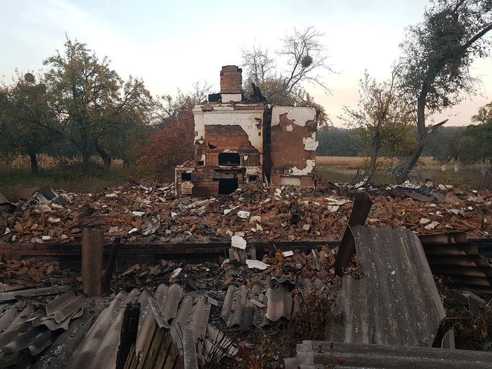 В Августовке полностью разрушены четыре дома