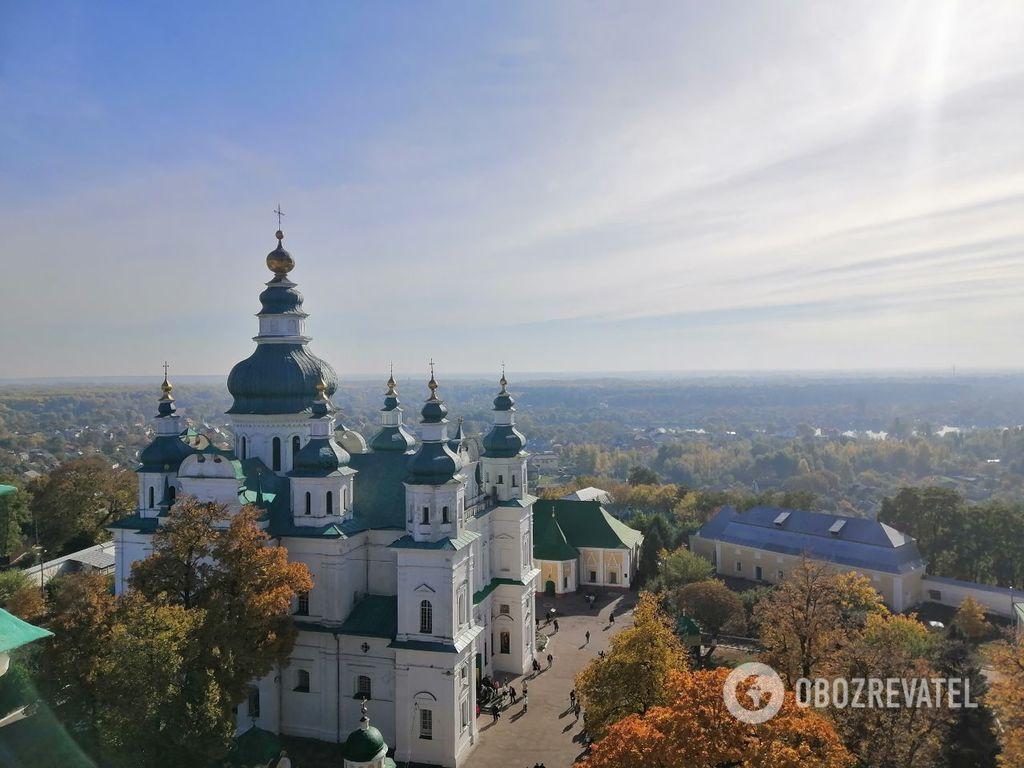 Красная площадь и старинные церкви: как выглядит осенний Чернигов