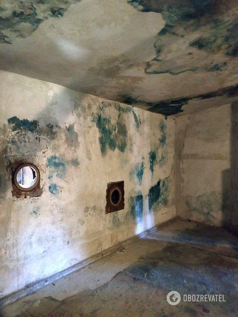 """Камера, в якій за допомогою """"Циклону Б"""" проходила дезінфекція одягу в'язнів"""