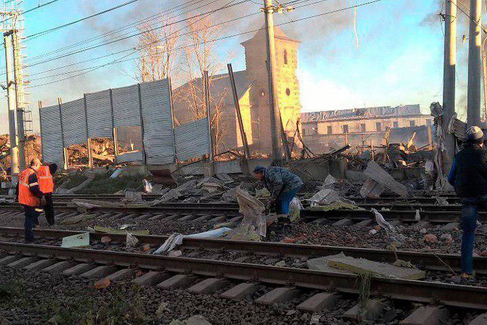 Под Питером прогремел мощный взрыв: подробности, фото и видео с места ЧП