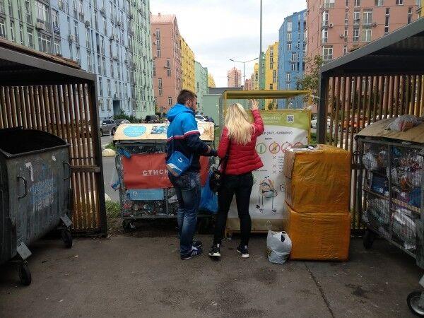 Гроші зі смітника: кияни сортують відходи та заробляють на цьому