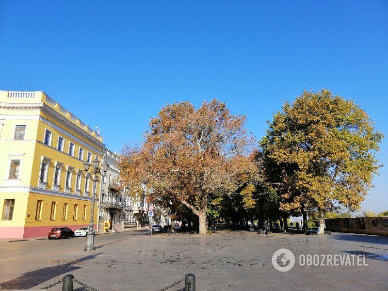 Холодне море і безлюдні вулиці: як виглядає осіння Одеса