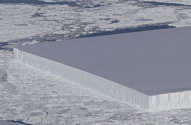 NASA здивували: в Антарктиді знайшли незвичайний айсберг