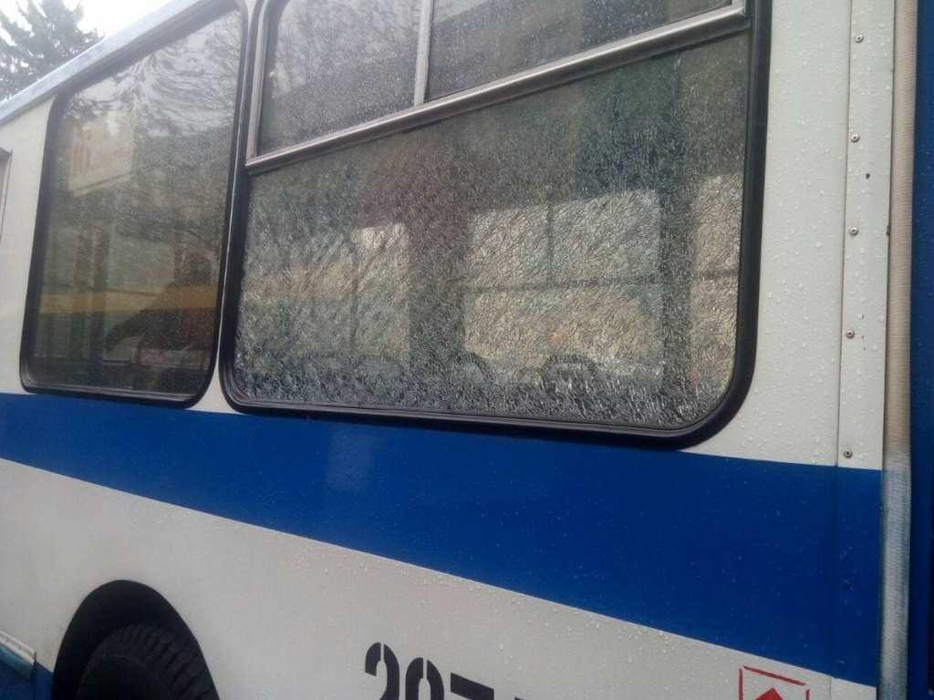 В Днепре расстреляли два троллейбуса с людьми: подробности инцидента