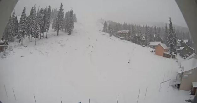 Популярные в Украине курорты засыпало снегом
