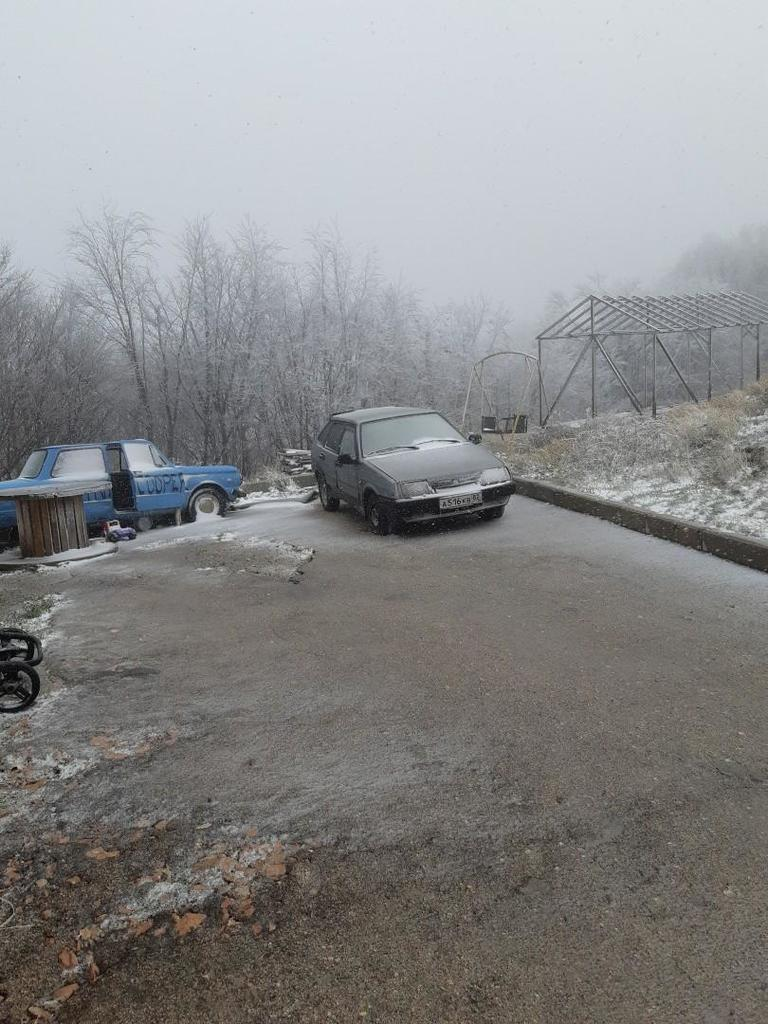 В Крыму выпал первый снег: яркие фото