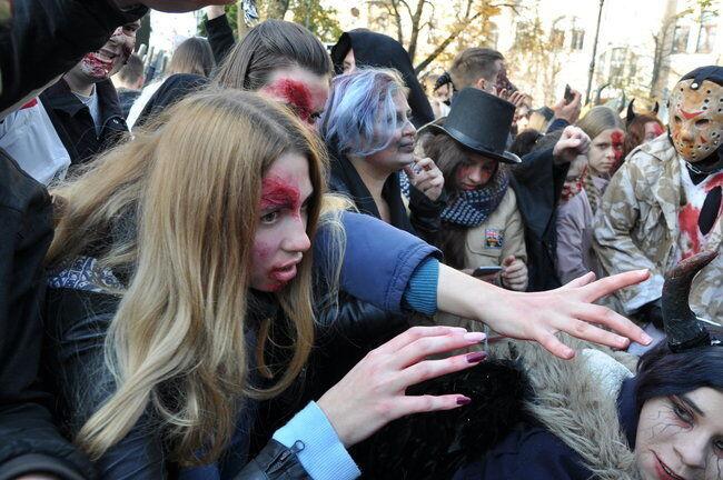 Хэллоуин-2018: в Киеве прошел парад зомби