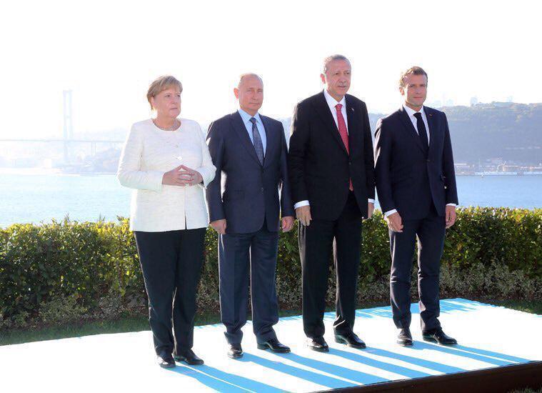 Новий трюк зі зростом Путіна підняли на сміх: фото