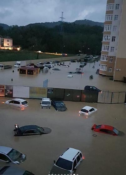 Еда, вода и бензин заканчиваются: в России показали страшные последствия ''армагеддона''