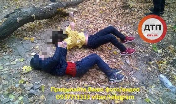 У Києві мати втопила дітей: фото і відео 18+