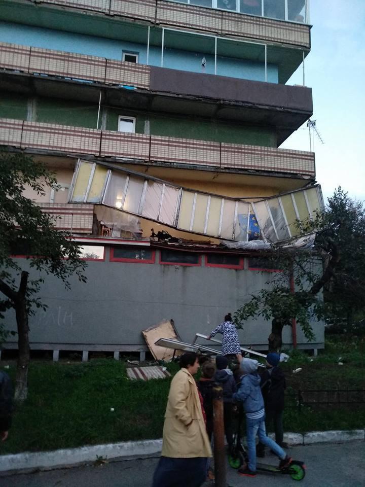 """""""Осень, падают балконы"""": киевляне пожаловались на аварийное состояние домов"""