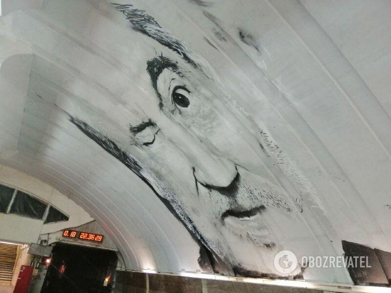 В Киеве нарисовали мурал с Богданом Ступкой