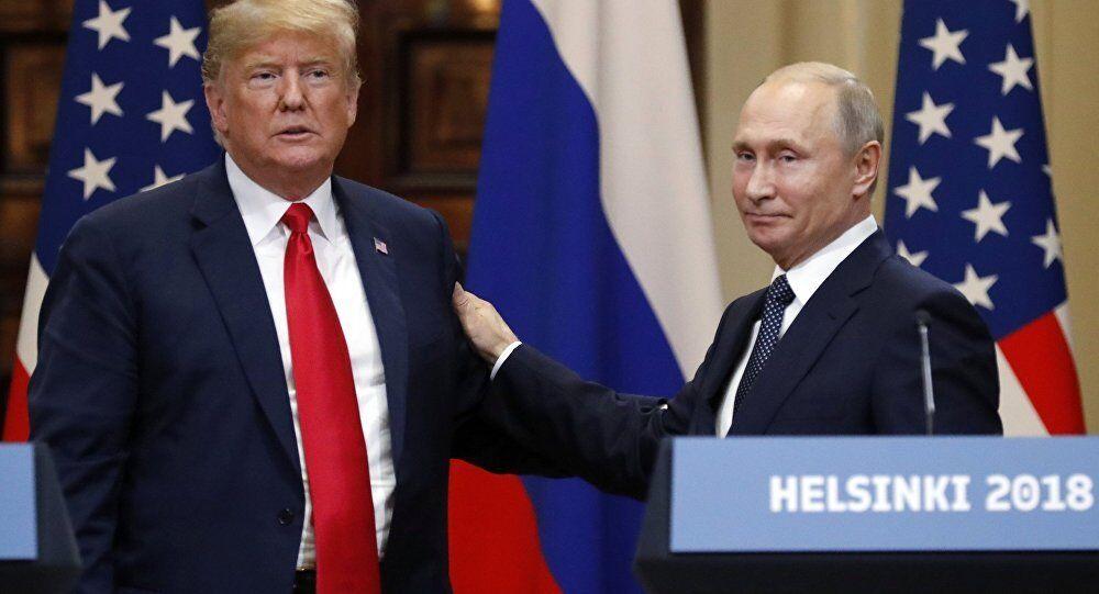 Дональд Трамп и Владимир Путин на встрече в Хельсинки, 2018 год