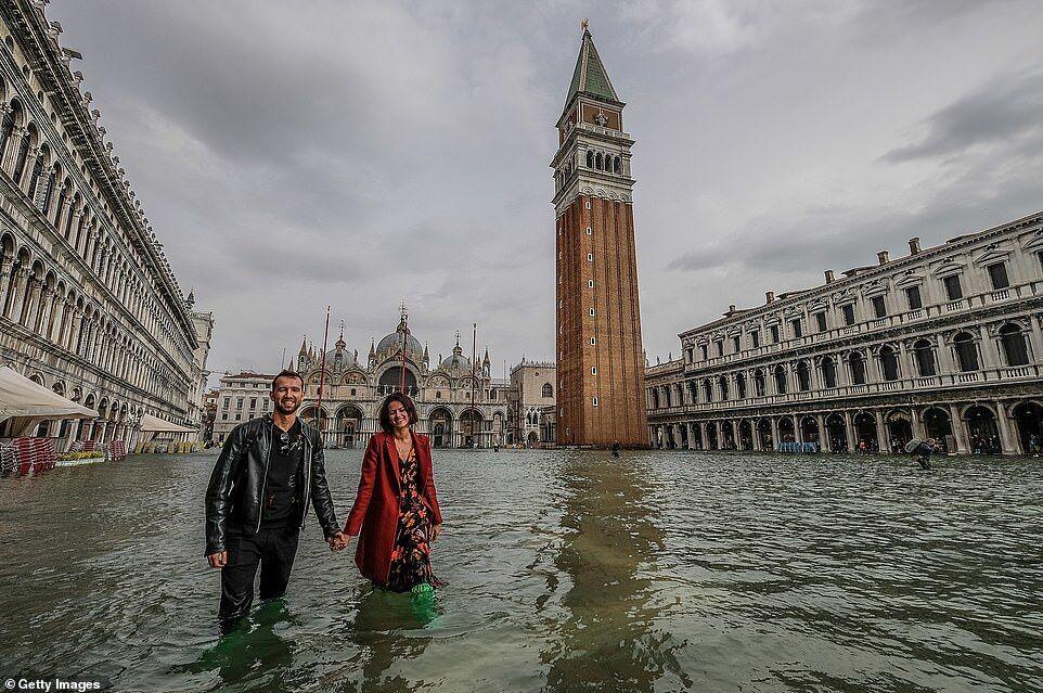 Венеция ушла под воду: что творится в затопленном городе
