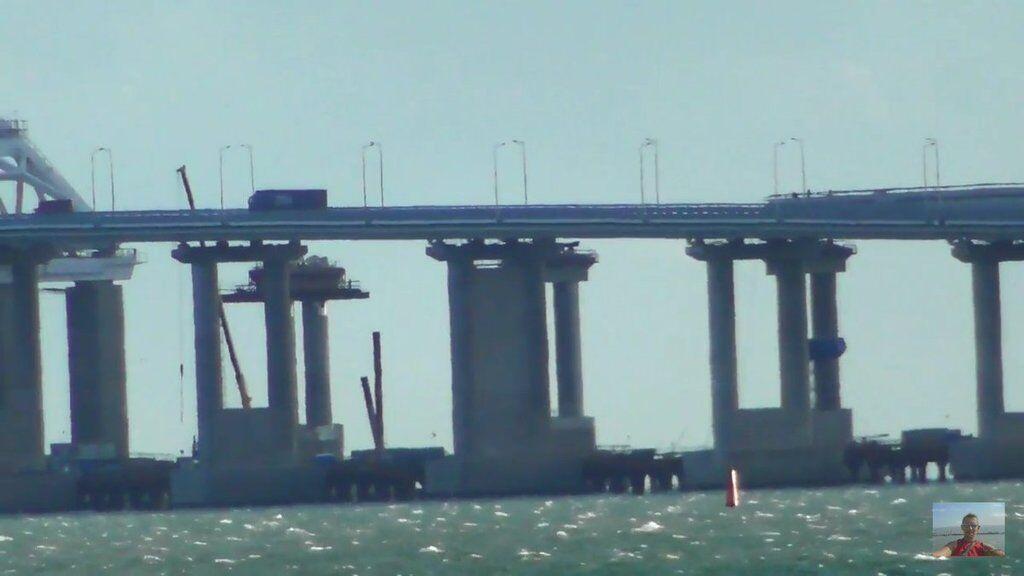 На Крымском мосту заметили трещину