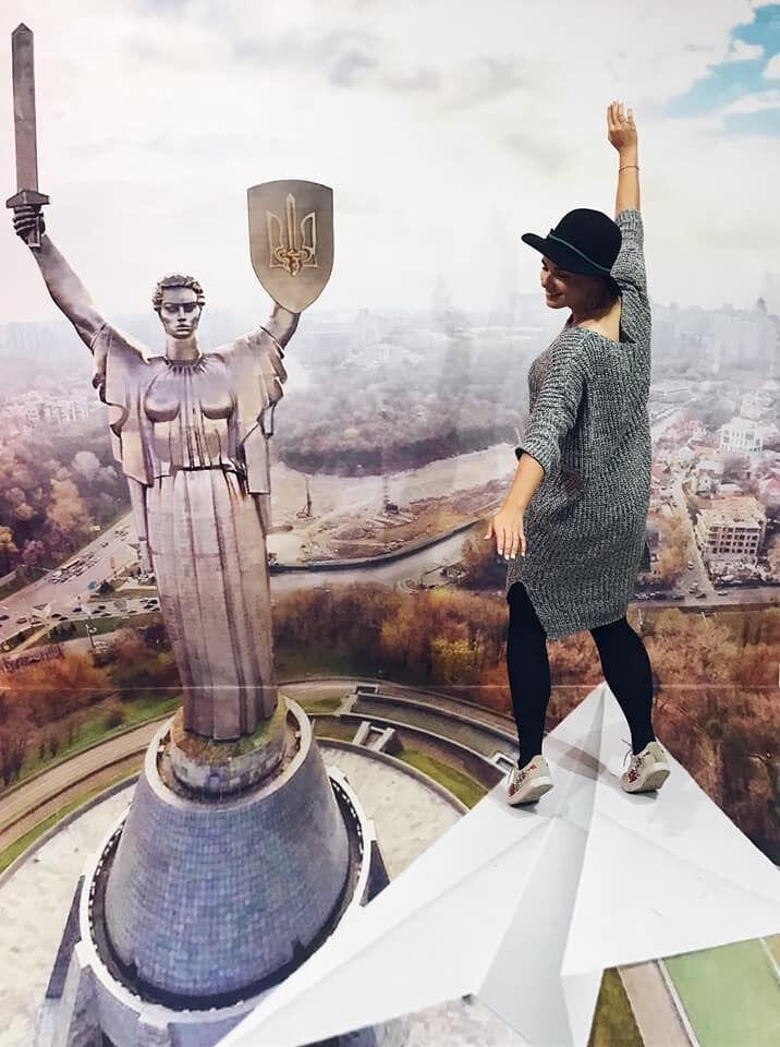 ''Посидіти в каштані'': у мережі показали незвичайне місце у Києві