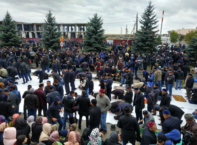 ''Тысячи людей'': в Ингушетии собрали ''майдан'' против путинского Кадырова