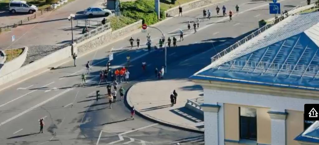 В Киеве бежали марафон: появилось видео с высоты