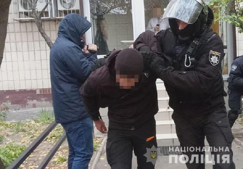 У Києві 40 ''тітушок'' атакували поліцейських