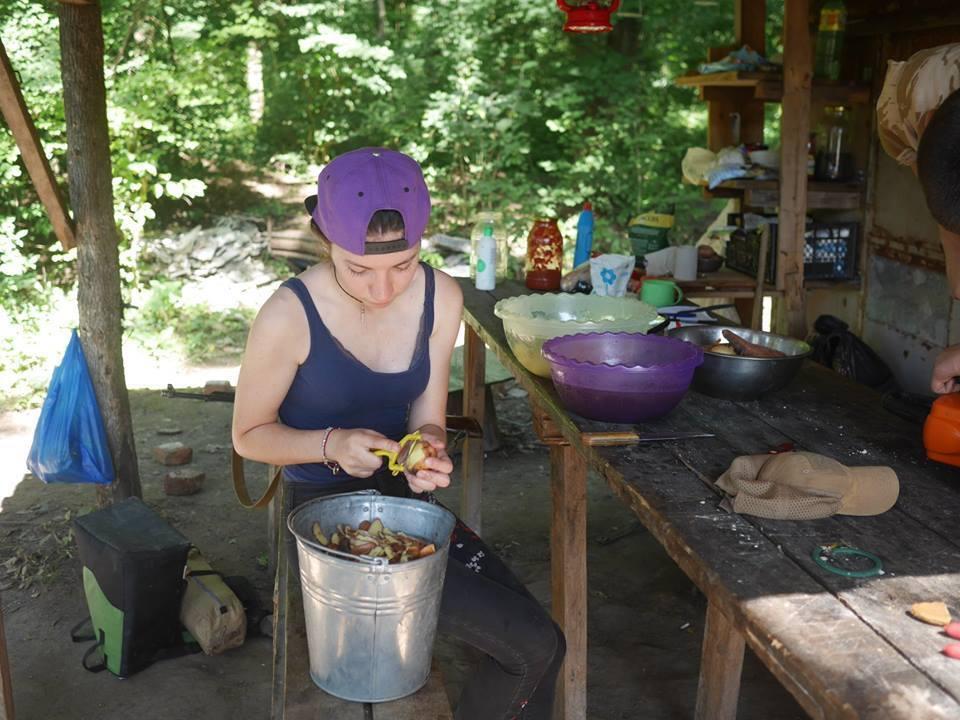 В лагере учатся готовить