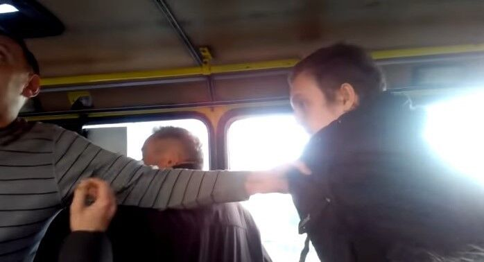 Во Львове водитель маршрутки набросился на студента