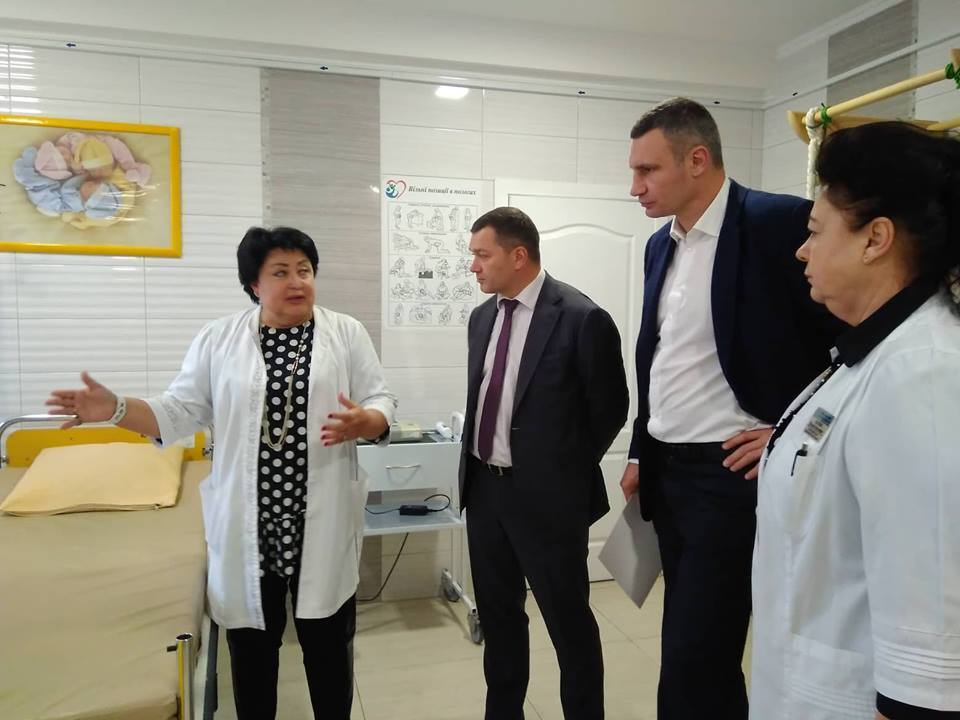 Кличко: вперше за декілька десятиліть усі пологові будинки Києва забезпечені необхідним обладнанням