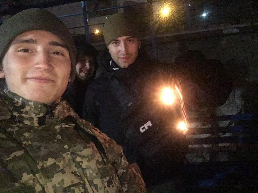 Активисты С14 сожгли георгиевскую ленту