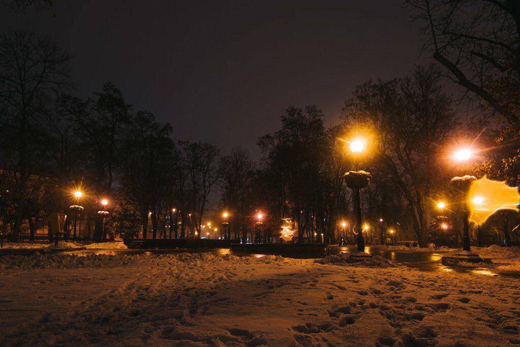 Перший сніг у Києві: в мережі з'явилися нові барвисті фото столиці