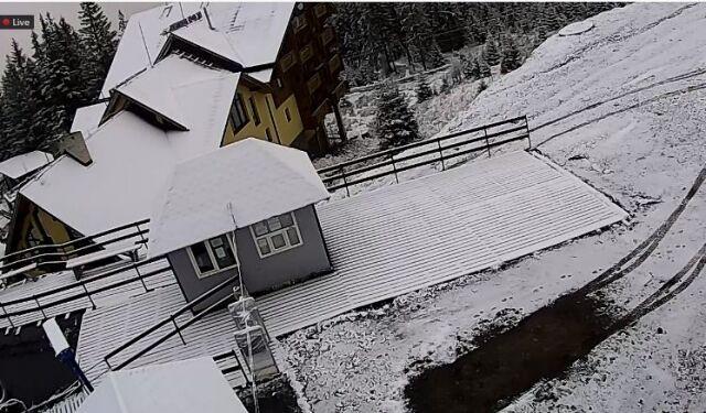 Популярные украинские курорты засыпало снегом: впечатляющие фото