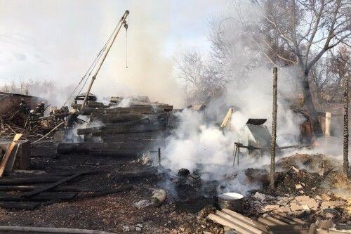У Харкові спалахнула потужна пожежа: фото і відео