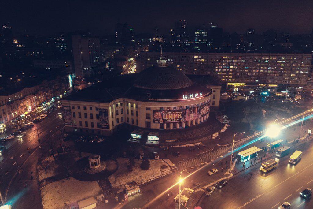Ночная площадь Победы в Киеве: яркие фото с высоты