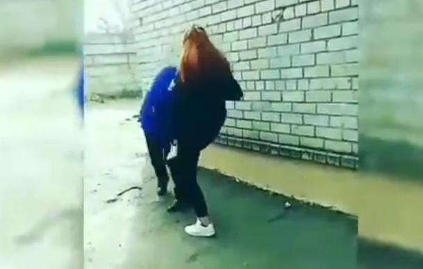 У Запоріжжі студентка побила дівчину: відео