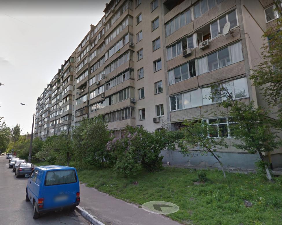 У Києві чоловік вижив після неймовірного падіння з висоти