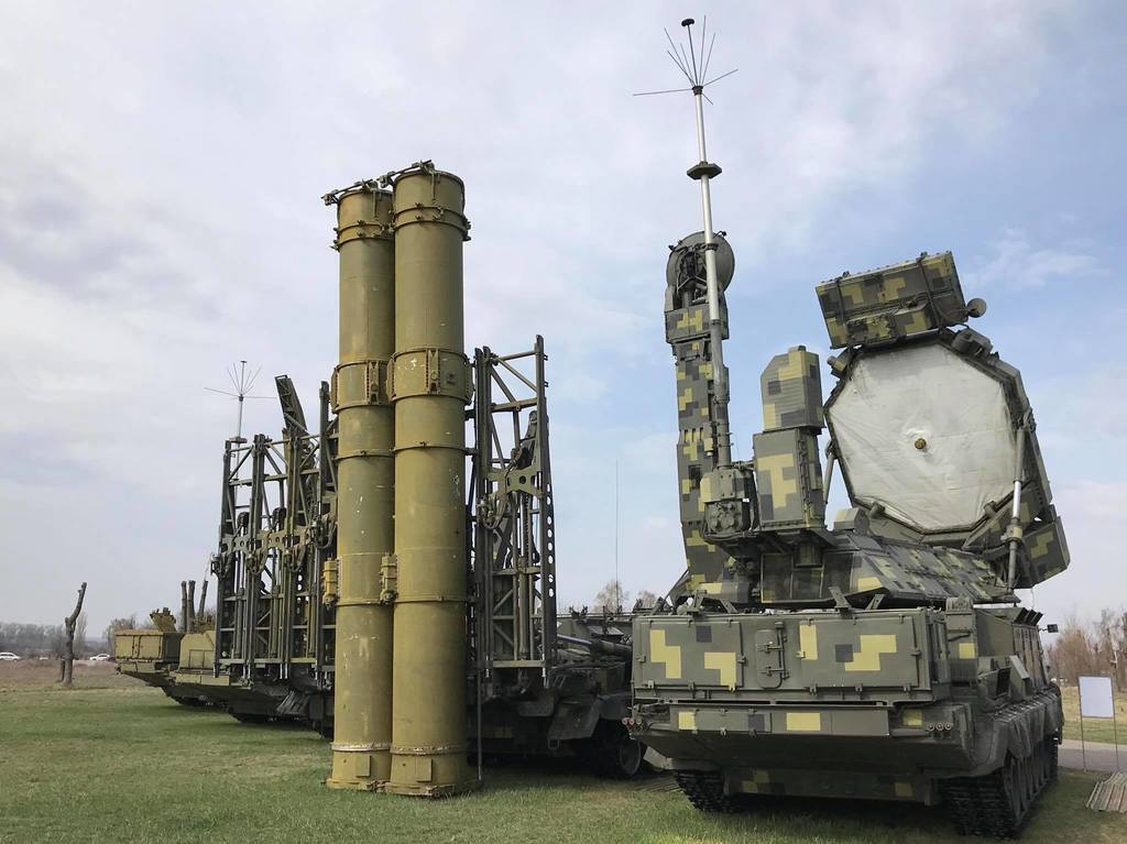 ЗРК С-300В1