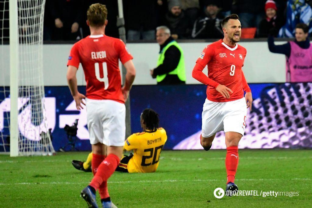 Герой Швейцарії Харіс Сеферович (праворуч) хет-триком розправився з Бельгією