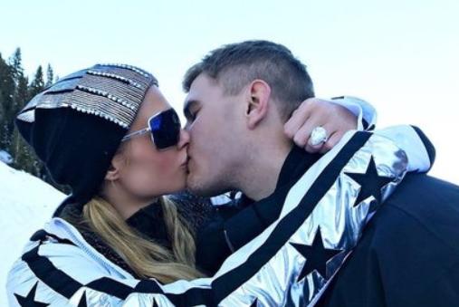 Обдурений наречений Періс Хілтон вимагає повернути прикрасу за два мільйони доларів