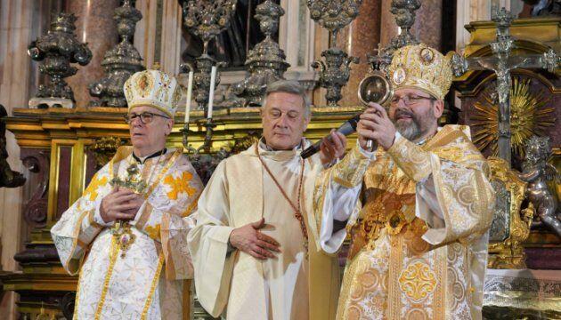 В Италии во время богослужения произошло чудо: фото и видео удивительного явления
