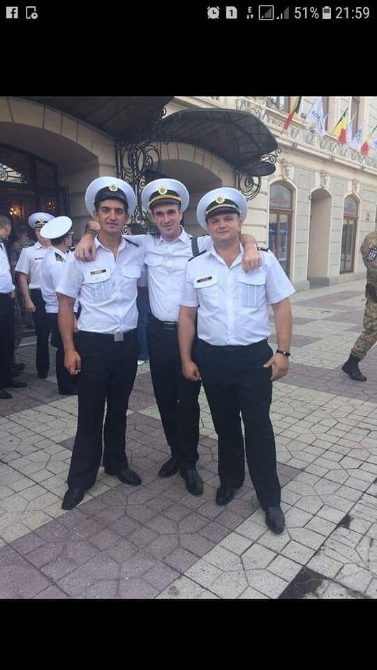 Андрей Артеменко (слева)