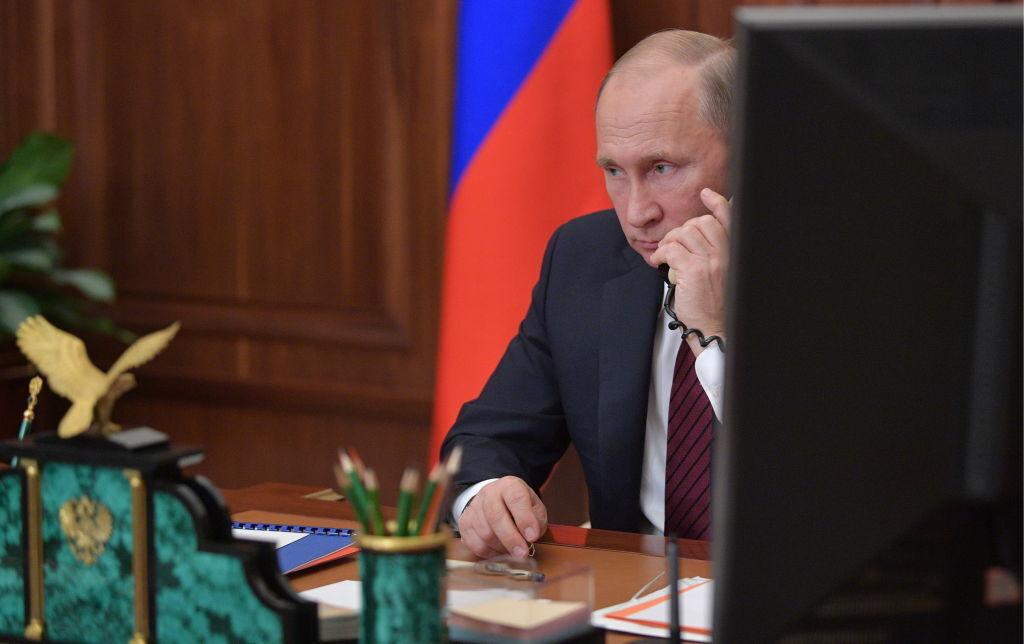 Россия останется, но не будет Путина. Его или убьют, или отдадут под суд