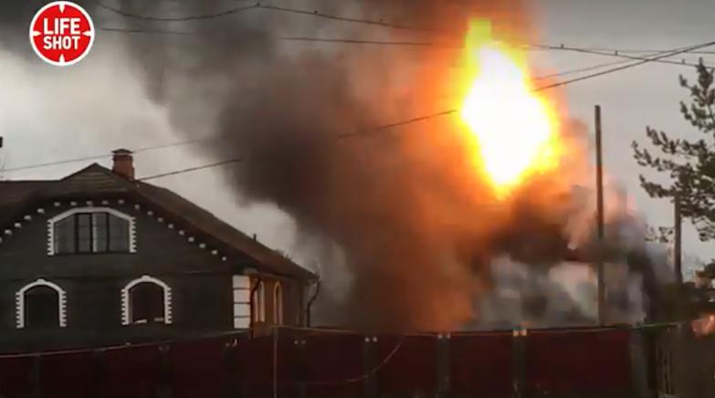 ''Ядерный гриб'': момент мощного взрыва в России засняли на видео с близкого расстояния
