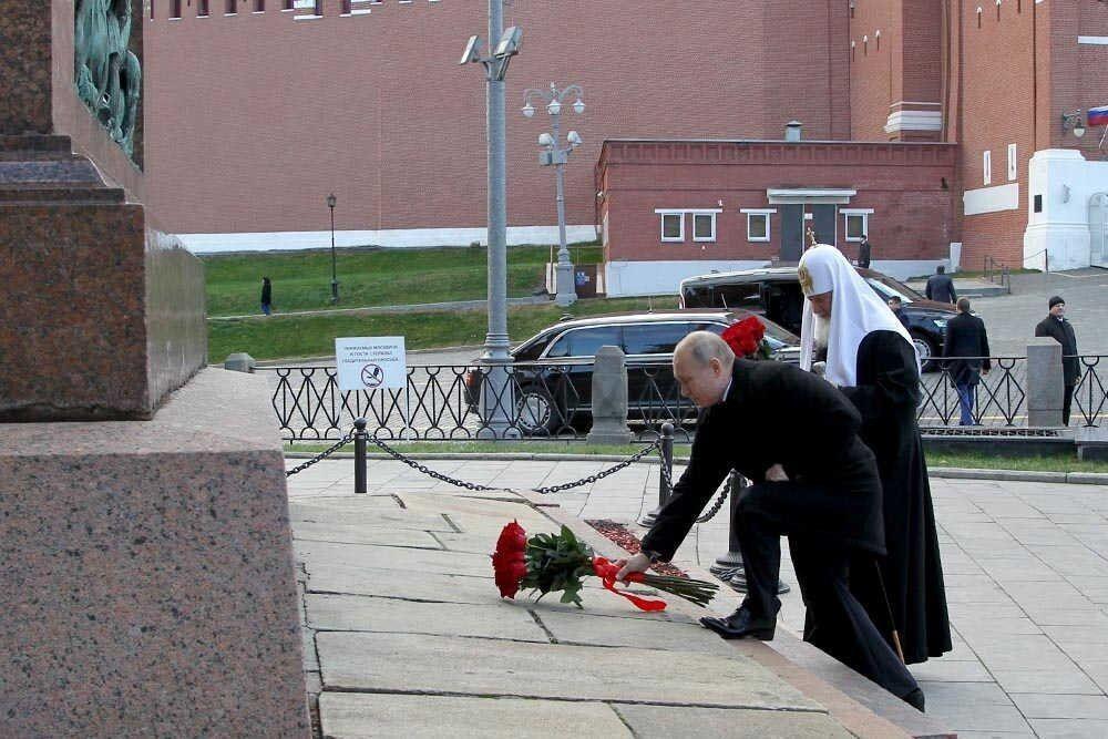 В сети высмеяли нелепое фото Путина и Кирилла