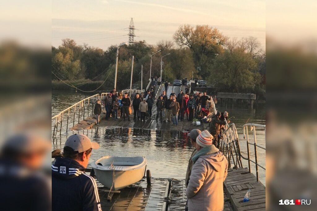 ''Уплыл в Крым бороться с украинцами'': сеть рассмешило эпичное ЧП с мостом в Ростове