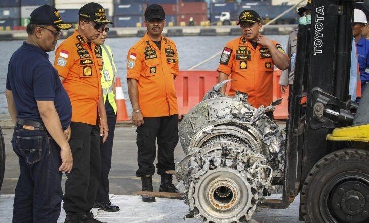 """Катастрофа літака в Індонезії: оприлюднені перші дані """"чорних ящиків"""""""