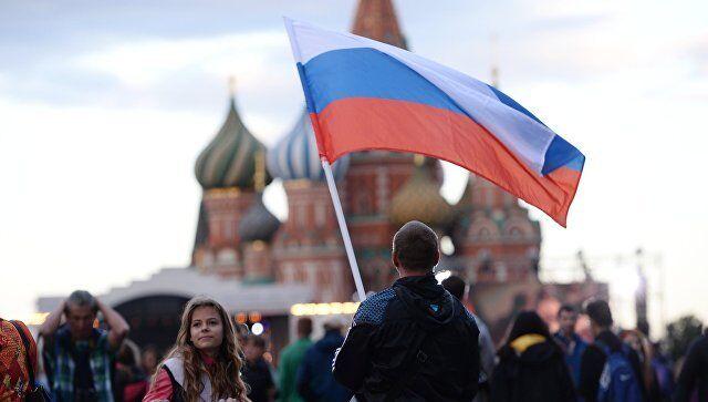 Российская власть валялась в питерских лужах, как тухлая селедка