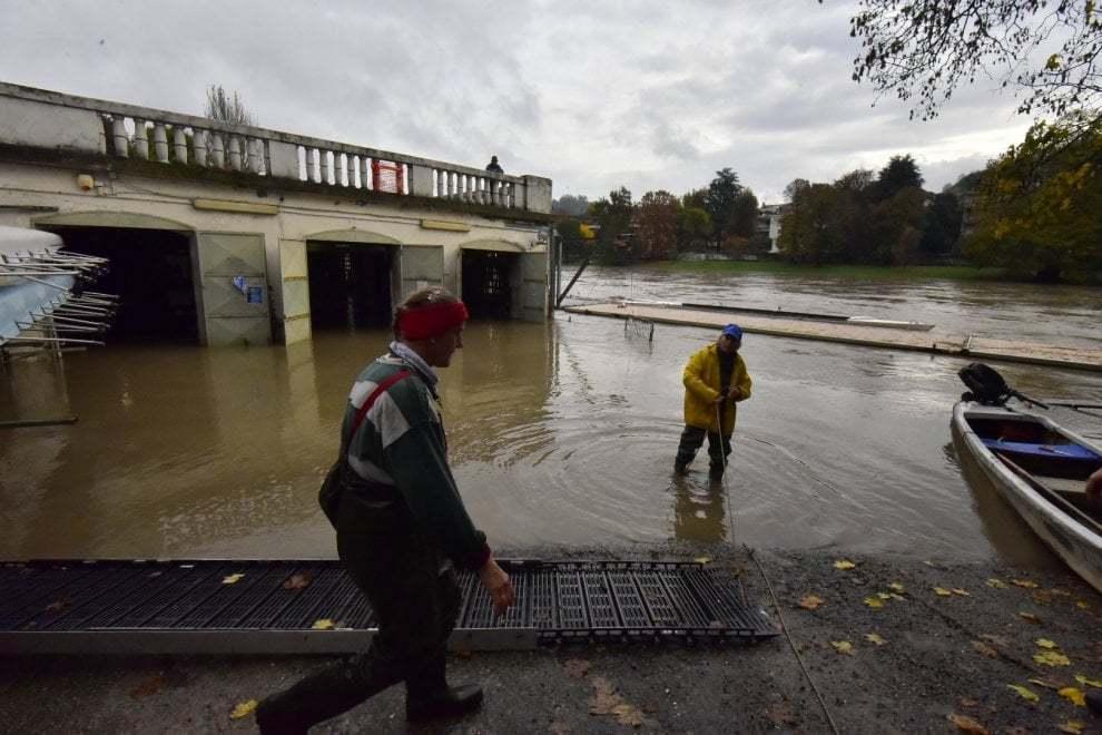В Италии город ушел под воду: фото и видео