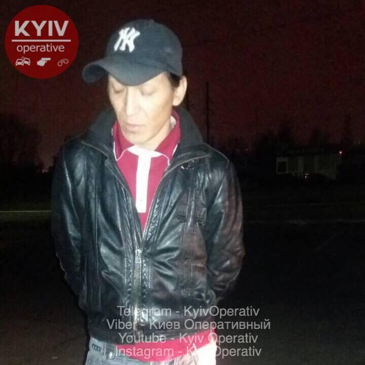 У Києві впіймали таксиста на вживанні наркотиків