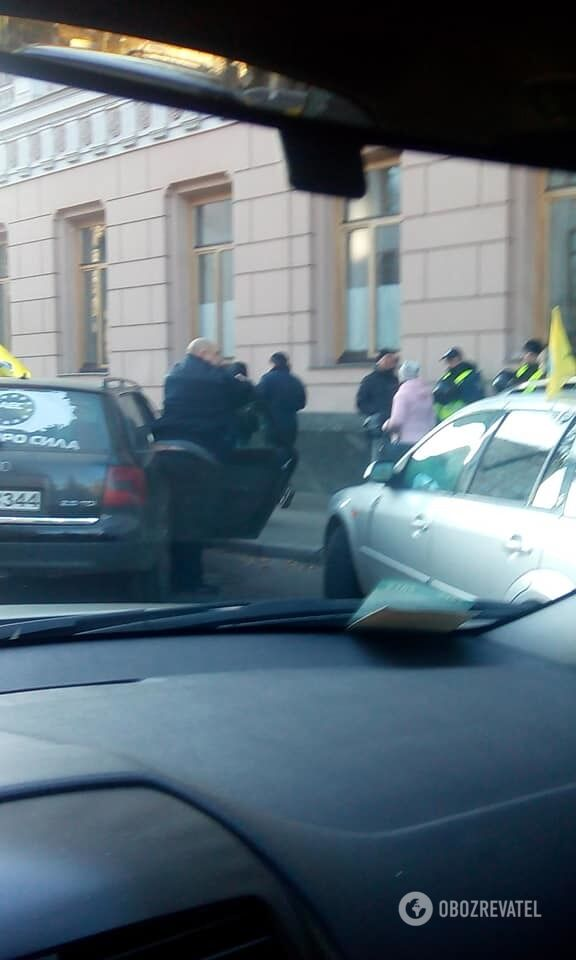 Коллапс на дорогах: владельцы евроавто заблокировали центр Киева