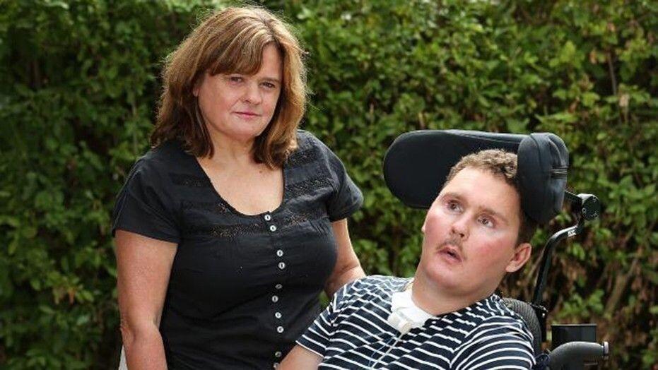 Сэм Баллард с мамой до недавнего времени