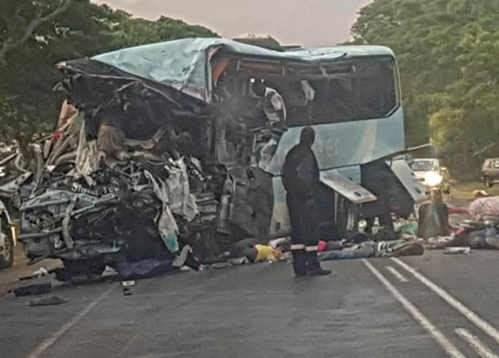 В Африке столкнулись автобусы: погибли 47 человек, более 70 — ранены