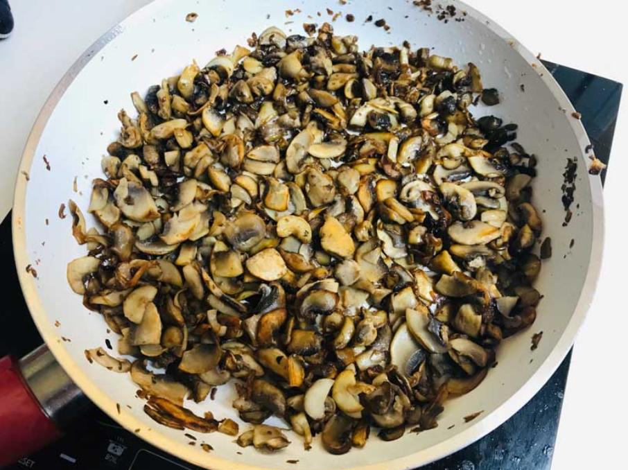 Відомий кулінар поділився рецептом грибного крем-супу